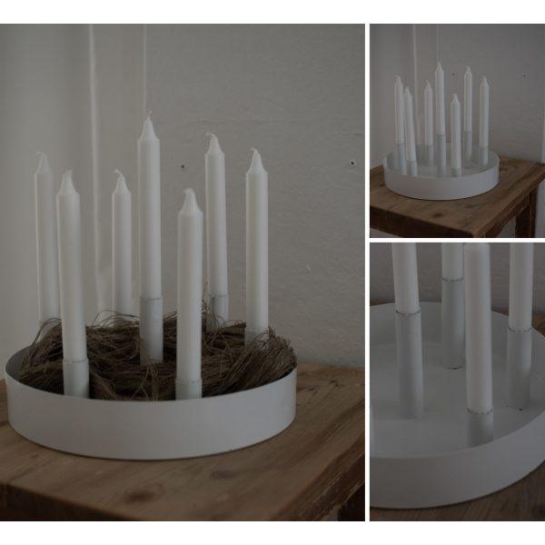 Weißer runder Kerzenhalter mit mehreren Öffnungen für Kerzen