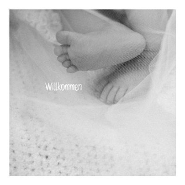 """Postkarte """"Willkommen"""" mit Baby-Füßen"""